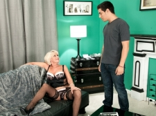 Porn 10-Pounder for Desire