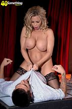 Busty HORNY HOUSEWIFE lap dancer Amber Lynn suggests extras